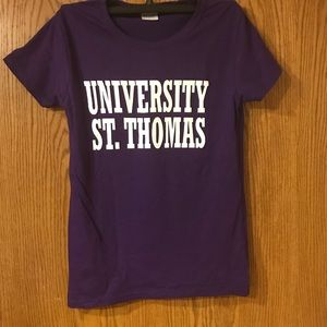 Women's Small U of St. Thomas T-shirt